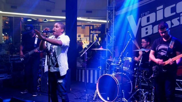 The Voice Pocket com Anne Marie, Leandro Buenno e Pedro Lima em Santos (Foto: Fernanda Maciel)