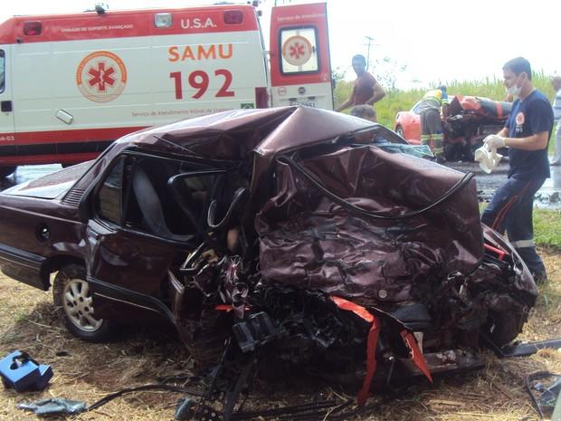 Colisão frontal matou mãe e filha em rodovia de Boa Esperança do Sul, SP (Foto: Luís Antonio/Portal SIM! NEWS)