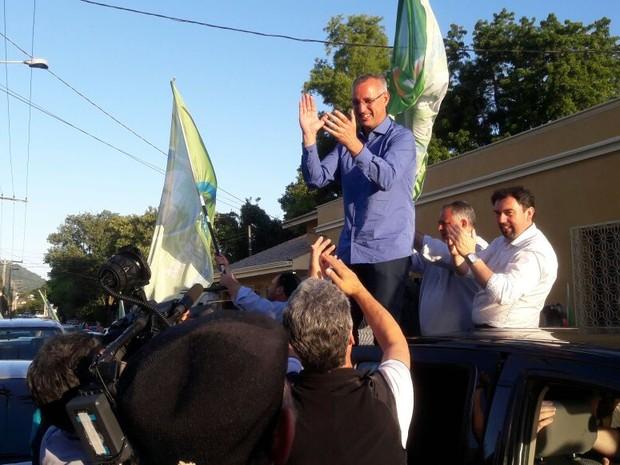 Pozzobom faz carreata pra comemorar a vitória no segundo turno em Santa Maria (Foto: Tiago Guedes/RBS TV )