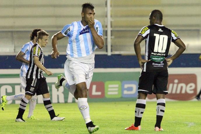 Jones Macaé x Ceará - Campeonato Brasileiro Série B (Foto: Tiago Ferreira)