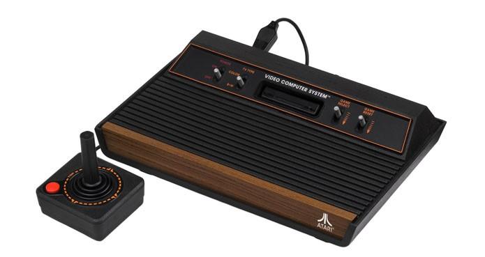O saudoso Atari 2600 (Foto: Reprodução/Wikimedia)