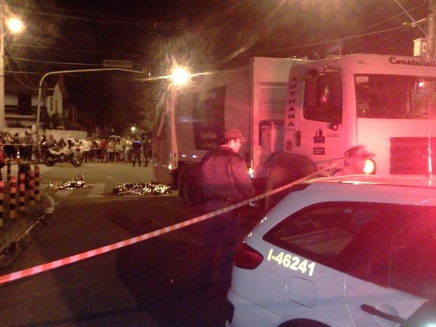 Mãe e filha foram atropeladas no Jardim Morumbi, em São José dos Campos. (Foto: Jonatan Morel/TV Vanguarda)