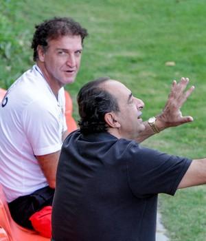 Cuca e Alexandre Kalil, técnico e presidente do Atlético-MG (Foto: Bruno Cantini / Atlético-MG)