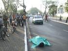 Jovem morre após perder controle de moto e bater cabeça no meio-fio
