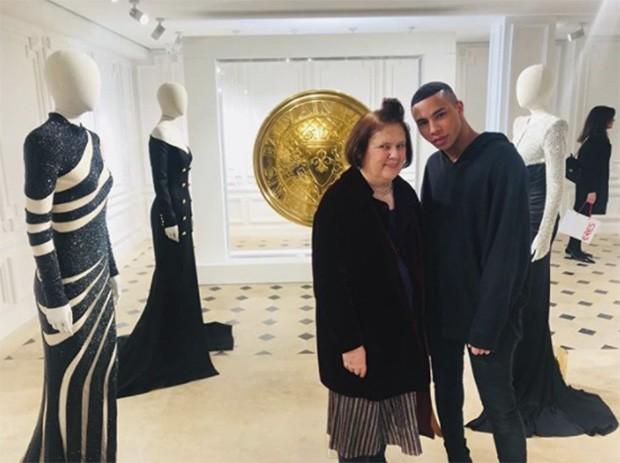 Inside the new Balmain 'Demi couture' '44 Françoise Premier' collection with Olivier Rousteing (Foto: @suzymenkesvogue)