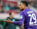 Werder Bremen faz dois com Gnabry, segura pressão e vence o Wolfsburg
