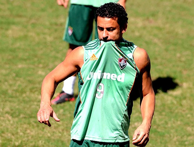 Fred no treino do Fluminense (Foto: Dhavid Normando / Photocamera)