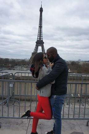 Rafael Zulu e a namorada em Paris (Foto: Arquivo pessoal)