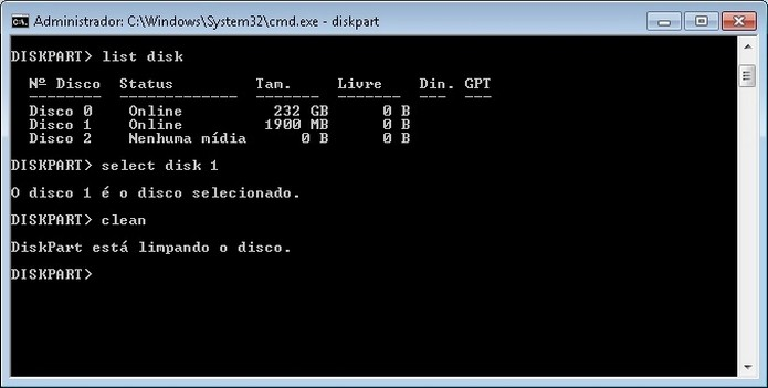 Limpeza do pendrive pelo MS-DOS (Foto: Reprodução/Raquel Freire)