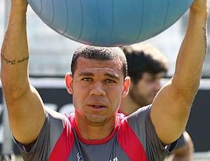 Nilton no treino do Vasco (Foto: Marcelo Sadio / Site Oficial do Vasco da Gama)