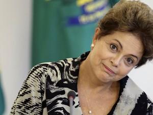 A presidente Dilma Rousseff, durante encontro com representantes da Confederação Nacional dos Trabalhadores na Agricultura (Contag) no Palácio do Planalto, em Brasília (Foto: Ueslei Marcelino/Reuters)