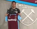 Calleri consegue visto, assina contrato e posa com a camisa do West Ham