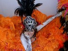 Natália Knaak comemora 10 anos de Sapucaí em desfile na Grande Rio