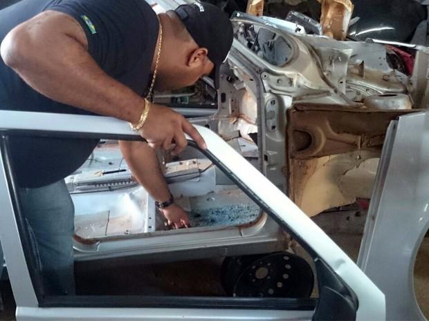 Pol�cia faz opera��o para fechar desmanches de carros em Alfenas