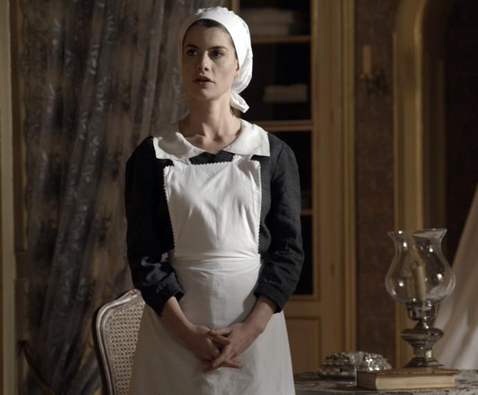 Lívia fica triste ao saber da data de casamento de Felipe e Melissa (Foto: TV Globo)