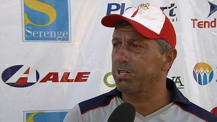 Gilberto Pereira, técnico do Trindade (Foto: Reprodução/TV Anhanguera)