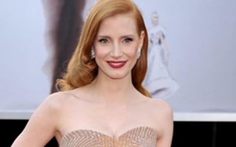 Jessica Chastain investe no nude no Oscar 2013