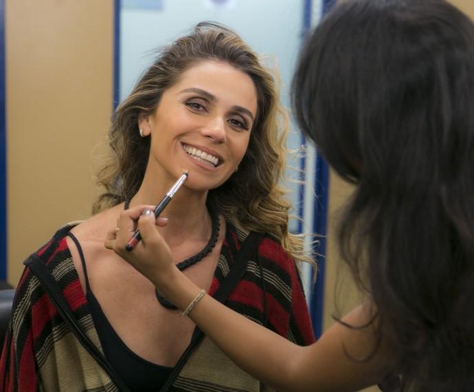 Giovanna Antonelli dá dicas de como fazer a maquiagem de Atena! (Foto: Inácio Moraes/ Gshow)