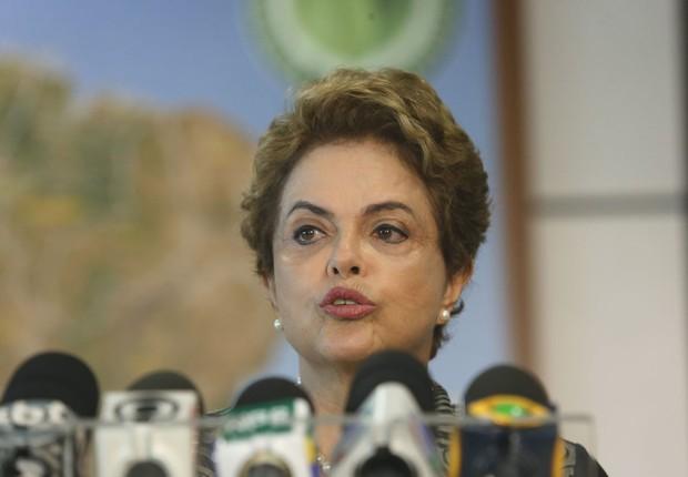 Dilma é notificada pelo STF para explicar por que chama impeachment de golpe