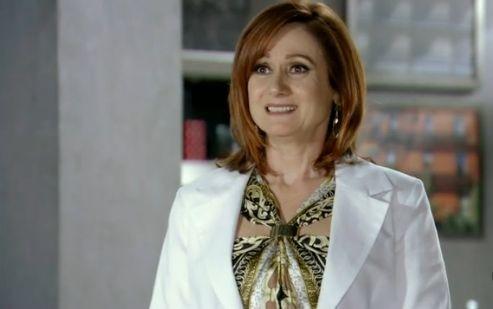 Zezé Polessa é Berna em 'Salve Jorge' (Foto: Reprodução)