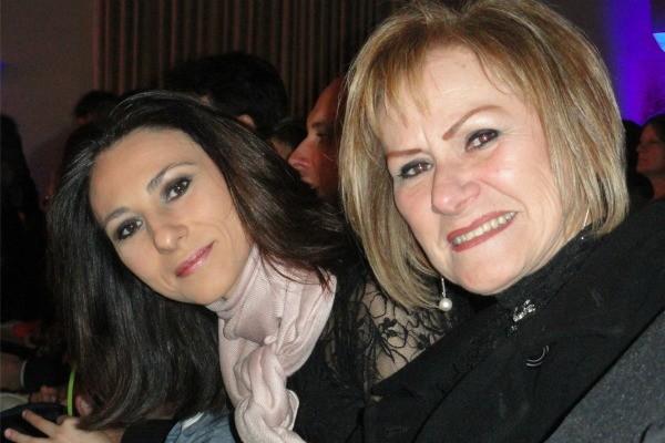 Cristine Gallisa com sua mãe (Foto: Arquivo pessoal)