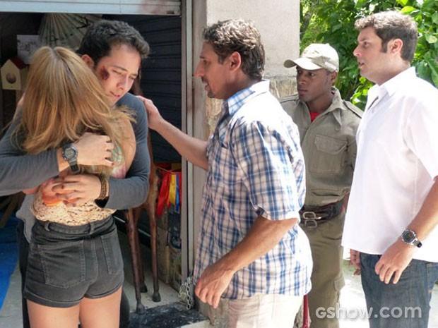 Ben e Anita se reencontram e a emoção é forte (Foto: Malhação / TV Globo)