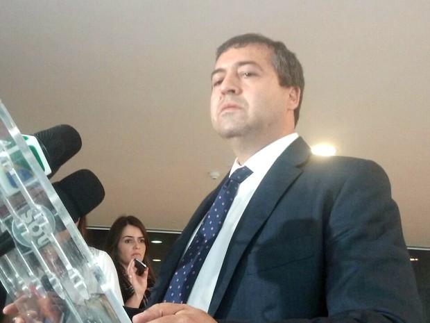 Ministro do Trabalho, Ronaldo Nogueira, concede entrevista coletiva (Foto: Filipe Matoso / G1)