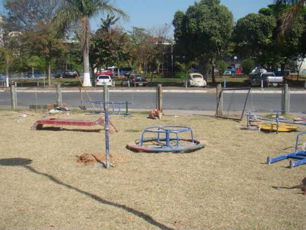 Parque do terminal rodoviário de Formiga ganha brinquedos (Foto: Prefeitura/ Divulgação)