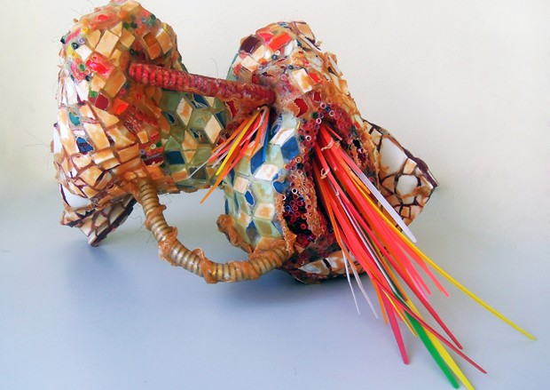 Os trabalhos surgem de uma pesquisa inédita de arte musiva, desenvolvida ao longo de sua carreira, com um alto caráter conceitual. (Foto: Divulgação)