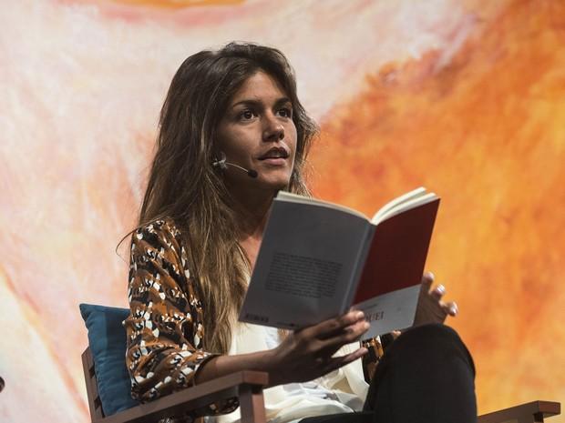 02/07: Matilde Campilho fala sobre poesia na mesa 3 da Flip 2015 (Foto: Divulgação/Flip)
