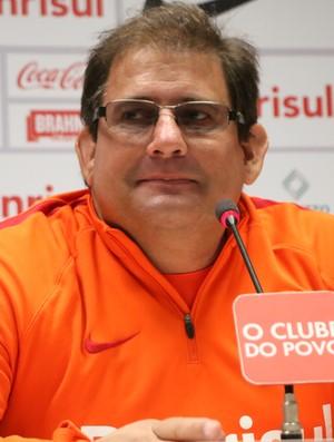 BLOG: A Razão e a Não-Razão de Guto Ferreira