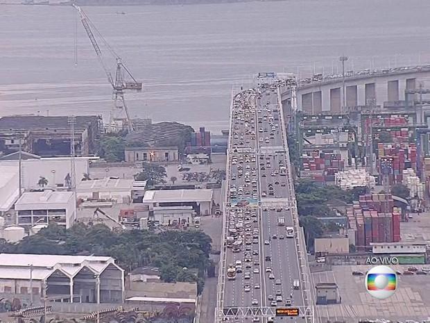Imagens mostram que tempo de travessia às 7h20 era de quase 40 minutos. (Foto: Reprodução / TV Globo)