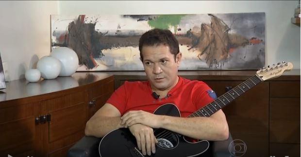 Chimbinha quebrou o silêncio e finalmente falou sobre a traição e separação com sua mulher, a cantora Joelma, em entrevista exclusiva ao programa Fantástico, da TV Globo (Foto: Reprodução TV Globo)