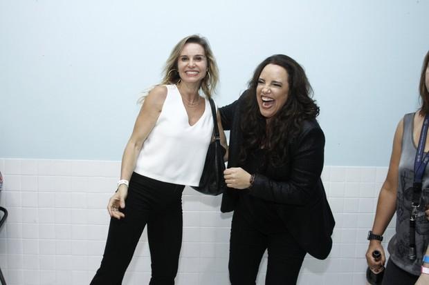 Paula Burlamaqui e Ana Carolina (Foto: Alex Palarea / AgNews)