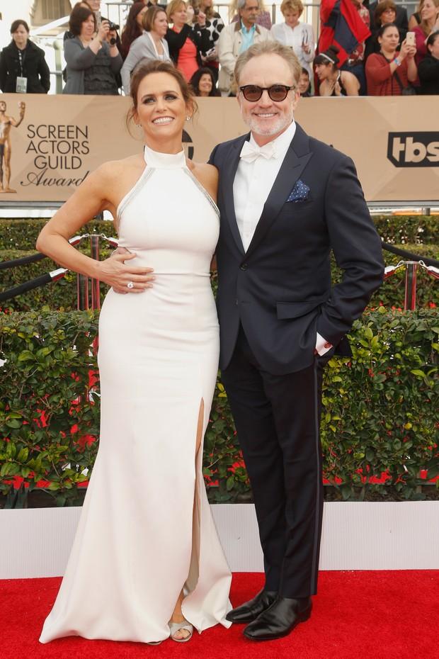 Amy Landecker e Bradley Whitford no SAG Awards 2016 (Foto: Getty Image)