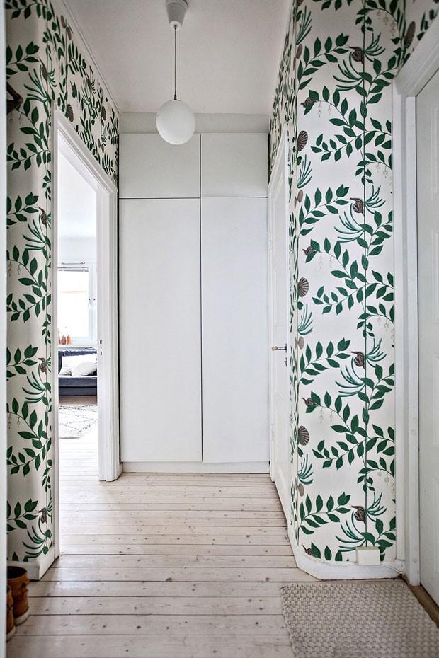 Décor do dia: papel de parede no corredor (Foto: reprodução)
