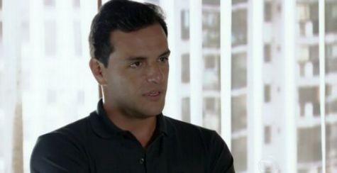 Rodrigo Lombardi como Théo em 'Salve Jorge' (Foto: Reprodução)
