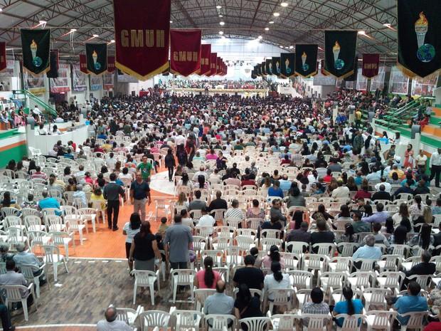 Evento de Gideões reuniu mais de cinco mil pessoas  na chegada de Marco Feliciano (Foto: Luiz Souza/ RBS TV)