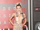 Ela causa! Confira fotos que provam que Miley Cyrus foi a grande estrela do Video Music Awards 2015