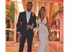 Gabriela Pugliesi aposta em vestido cheio de recortes para casamento