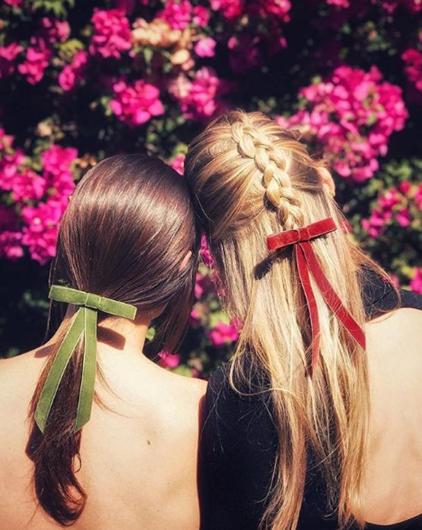 Laços na cabeça (Foto: Reprodução/Instagram)