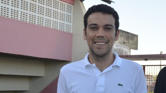 Cláudio Baiano e Léo (Foto: João Áquila)