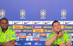 Jefferson e Júlio César goleiro da seleção coletiva (Foto: Marcelo Baltar)