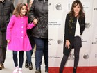 Suri Cruise passeia em NY e mostra semelhança com a mãe, Katie Holmes