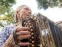 Conheça a história da mulher de 88 anos que uniu a família pela música