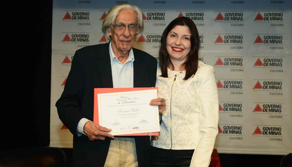 Em 2013, Ferreira Goullar recebe Prêmio Governo de Minas Gerais de Literatura (Foto: Renato Cobucci/Imprensa- MG)