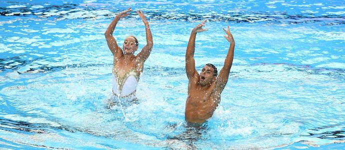 Renan e Giovanna nado sincronizado dueto misto budapeste (Foto: Getty Images)