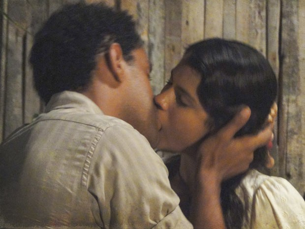 Chico quer retomar sua vida com Gilda (Foto: Lado a Lado/TV Globo)