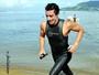 Taubateano comemora título de maratona aquática na Flórida