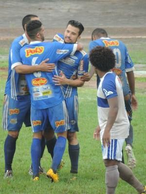 Sapo - gol do Fernandópolis - Osvaldo Cruz x Fernandópolis (Foto: João Paulo Tilio / GloboEsporte.com)